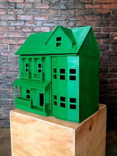 Monopoly House Green (0.54 x 0.39 x 0.61m)