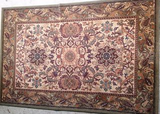 Persian Cream/Green Design (1.8m x 1.2m)