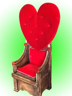 Queen Of Hearts Throne Red Rose (1.38 x 0.6 x 0.6)