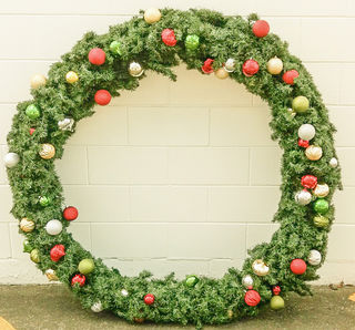 Christmas Wreaths Large (decorated) 1.2 m diameter