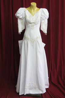 Wedding Dress Mutton chop Sleeves Lg Bow sz. 8.