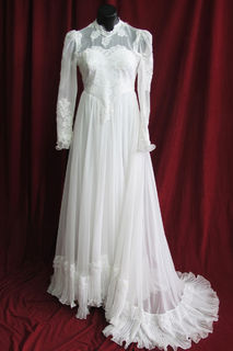 Wedding Dress Victorian Style Fluted Hem sz. 10 45320033