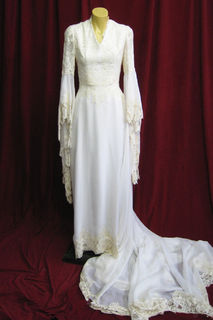 Wedding Dress V Neck Long Bell Sleeves sz.6-8 45320127