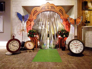 Alice in Wonderland. Through the Looking Glass Entrance..