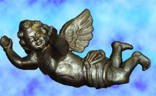 Cherub Flying  Gold Large (1.2m x 1.1m x 1.5m)
