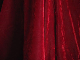 Curtain Velvet Red (1m x 3m) [x=2]