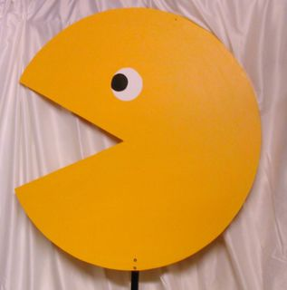 Pacman Wooden On Stand (1.65m tall x 0.75m dia)