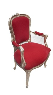 Throne Santa Medium (H1m x W0.6m)