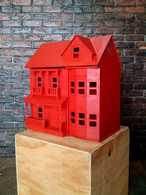 Monopoly House Red (0.54 x 0.39 x 0.61m)