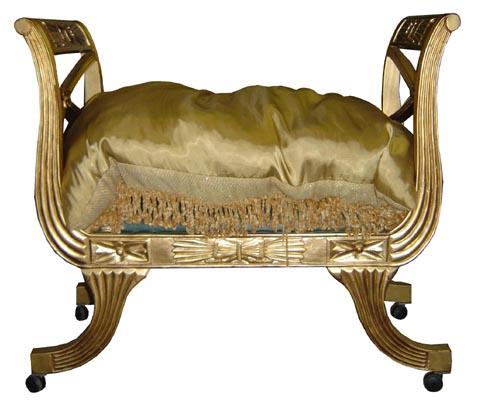 Cleopatra Throne Gold (H83cm X W93cm X D48cm)