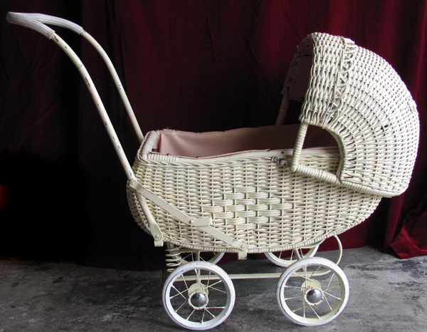 Pram #4 - 30's/40's Dolls White Wicker (L0.9m x H0.7m x W0.4m)
