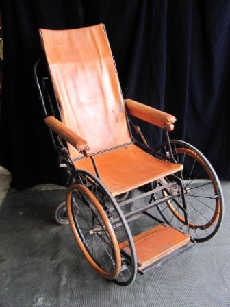 Wheelchair (a) High Back Leather Seat