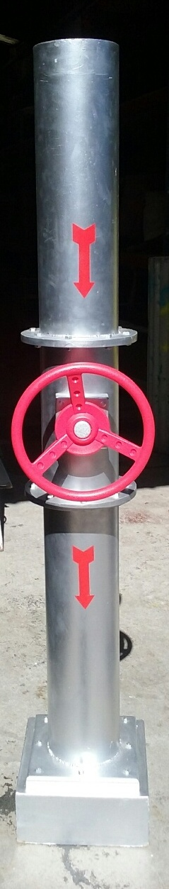 Silver Factory Pipe Column w/ Red Spinning Wheel (2m tall)