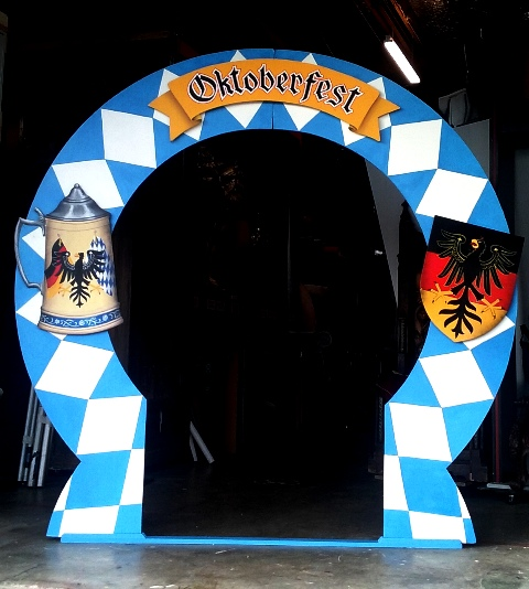 Oktoberfest Entrance 2.3m Tall (3 x SIGNS, BASE)