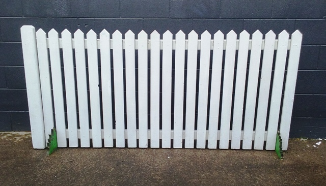Large White Picket Fence 2m x .9m (5 in stock)